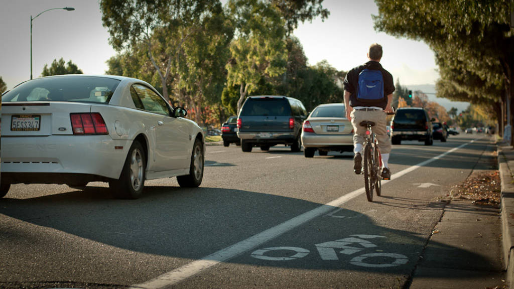 Cyclist in a painted roadside lane in Campbell, California (photo: Patrick Lydon | sociecity)