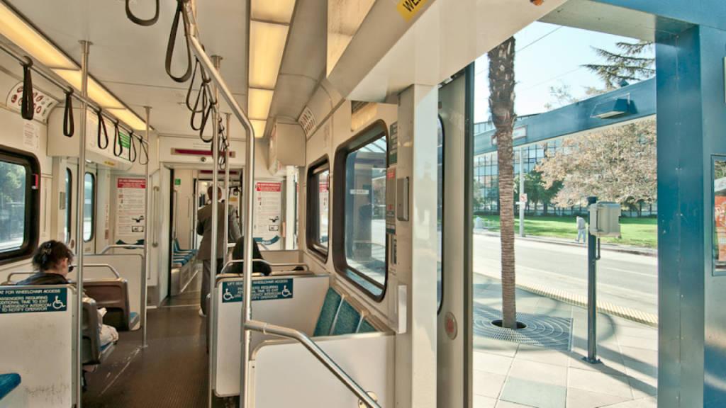 A light rail transit stop in San Jose, California at mid day (photo: P. Lydon | sociecity)