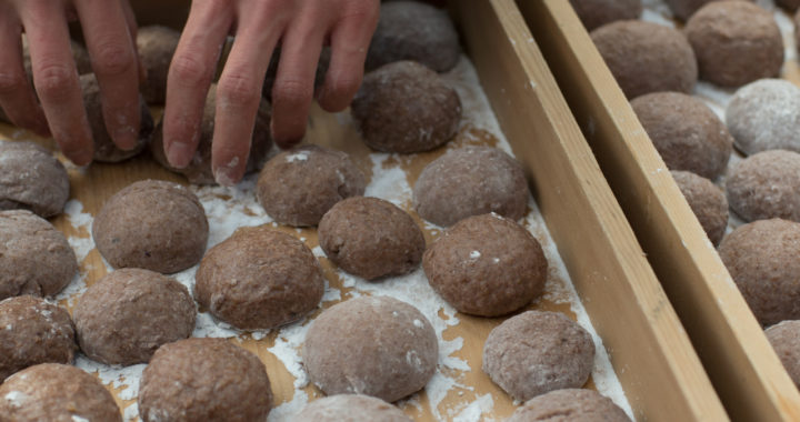 One Minute of Traditional Mochi Making